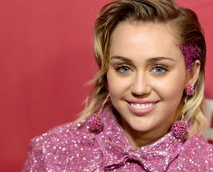 Miley Cyrus to Join The Voice Season 10