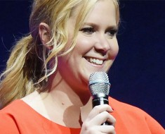 Amy Schumer to Kick off Spring Comedy Tour
