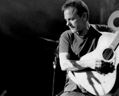Kiefer Sutherland Launches Music Career